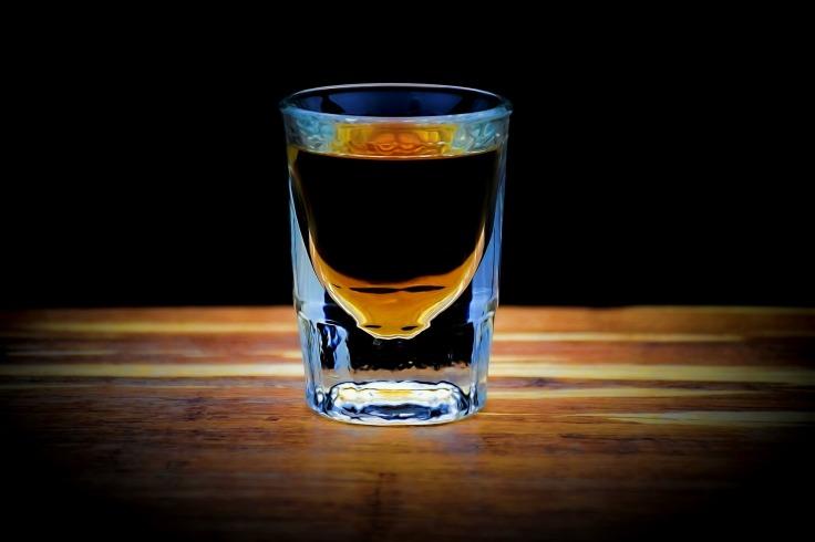 lit-whiskey-shot-4035278_1920